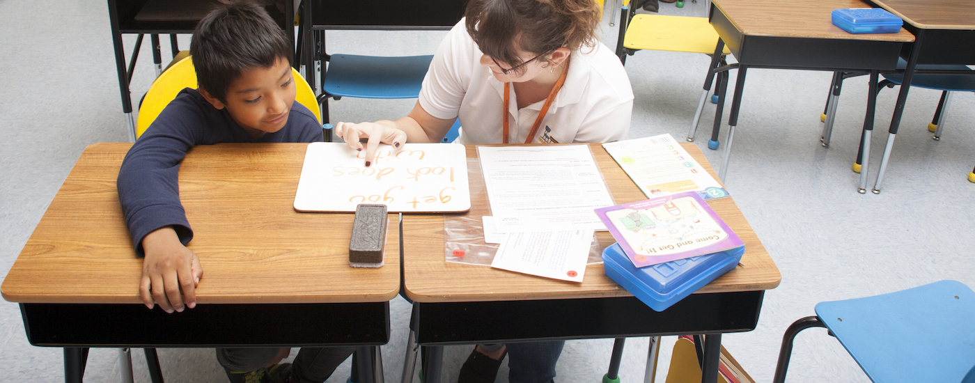 how to become a reading tutor